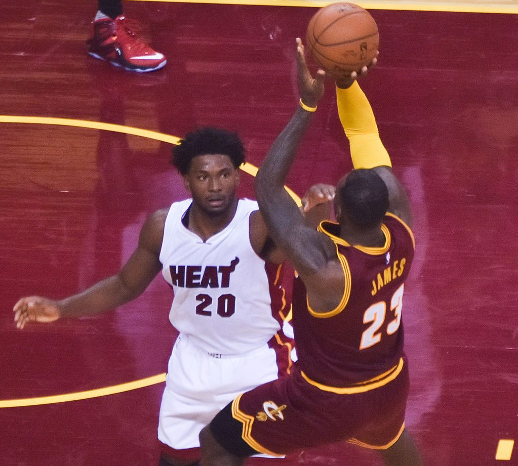 Justise_Winslow,_LeBron_James_20151030